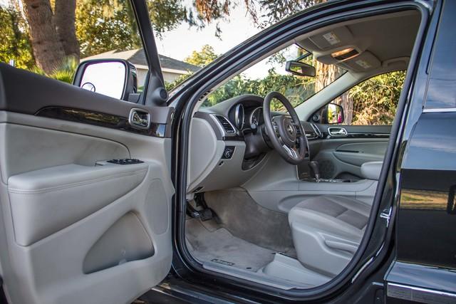 2013 Jeep Grand Cherokee Laredo - AUTO - 57K MILES - TOW PKG - NEW TIRES Reseda, CA 13