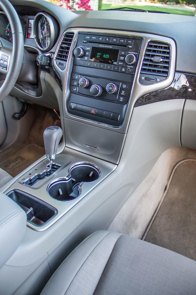 2013 Jeep Grand Cherokee Laredo - AUTO - 57K MILES - TOW PKG - NEW TIRES Reseda, CA 22