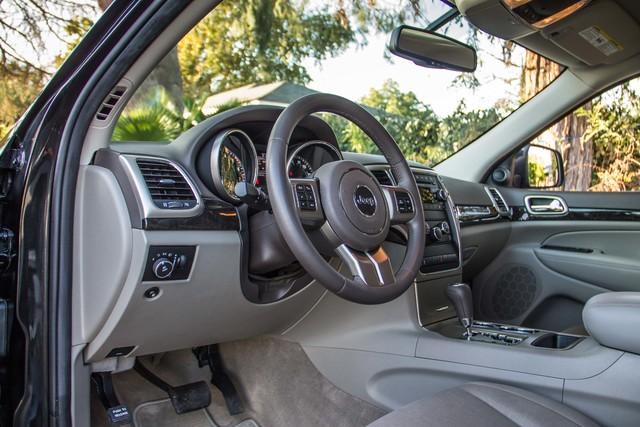2013 Jeep Grand Cherokee Laredo - AUTO - 57K MILES - TOW PKG - NEW TIRES Reseda, CA 14