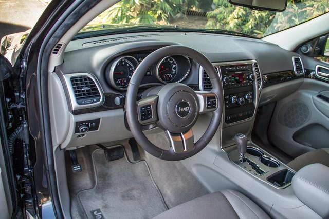 2013 Jeep Grand Cherokee Laredo - AUTO - 57K MILES - TOW PKG - NEW TIRES Reseda, CA 15