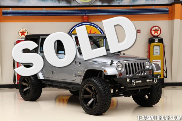 2013 Jeep Wrangler Unlimited Sahara This Carfax 1-Owner 2013 Jeep Wrangler Unliimted Sahara 4x4 is