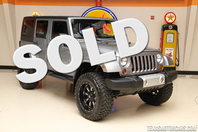 2013 Jeep Wrangler Unlimited Sahara 2013 Jeep Wrangler Unlimited Sahara Lots of extras like new