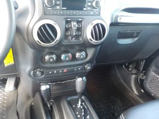 2013 Jeep Wrangler Unlimited Freedom Edition Fayetteville , Arkansas 18
