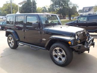 2013 Jeep Wrangler Unlimited Freedom Edition Fayetteville , Arkansas 3