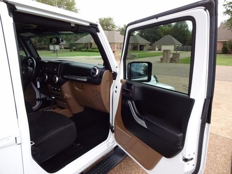 2013 Jeep Wrangler Unlimited Sahara | Marion, Arkansas | King Motor Company in Marion, Arkansas