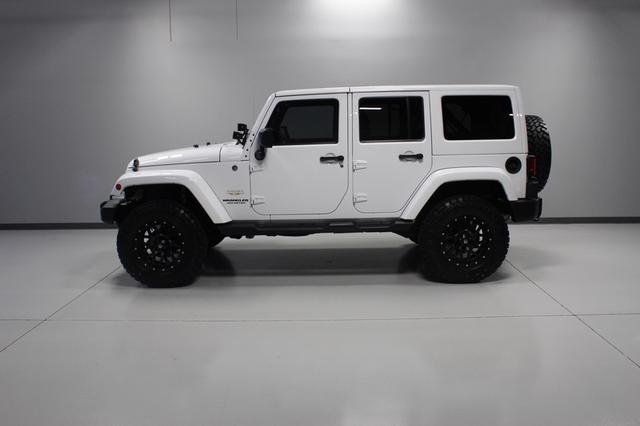 2013 Jeep Wrangler Unlimited Sahara Merrillville, Indiana 33