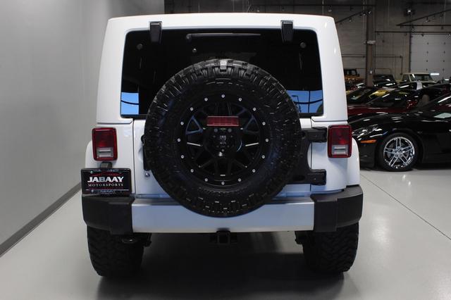 2013 Jeep Wrangler Unlimited Sahara Merrillville, Indiana 3