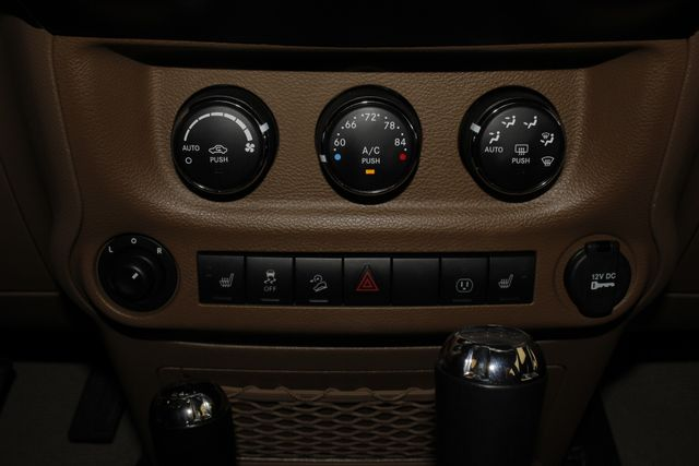 2013 Jeep Wrangler Unlimited Rubicon 4X4 - NAVIGATION - HEATED LEATHER - WINCH! Mooresville , NC 37