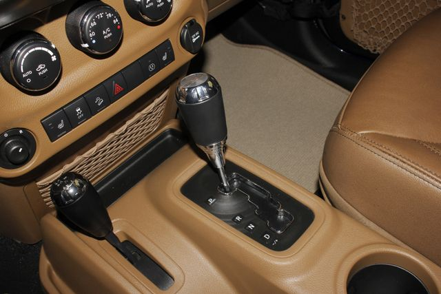 2013 Jeep Wrangler Unlimited Rubicon 4X4 - NAVIGATION - HEATED LEATHER - WINCH! Mooresville , NC 39
