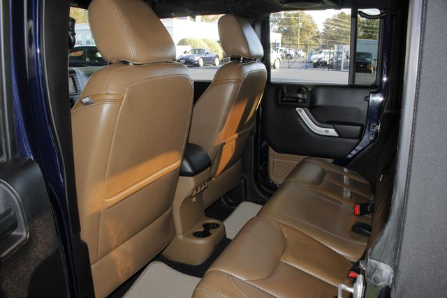 2013 Jeep Wrangler Unlimited Rubicon 4X4 - NAVIGATION - HEATED LEATHER - WINCH! Mooresville , NC 41