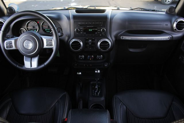 2013 Jeep Wrangler Unlimited Freedom Edition 4X4 - RARE OSCAR MIKE! Mooresville , NC 28