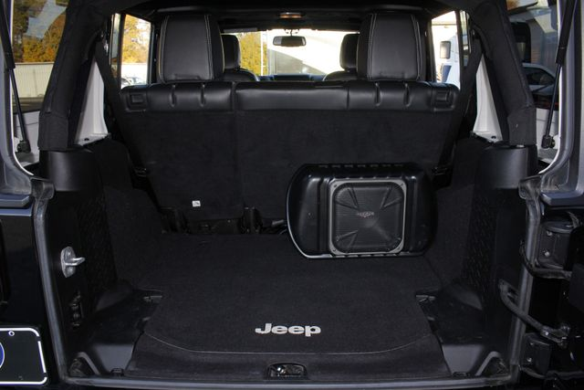 2013 Jeep Wrangler Unlimited Freedom Edition 4X4 - RARE OSCAR MIKE! Mooresville , NC 12