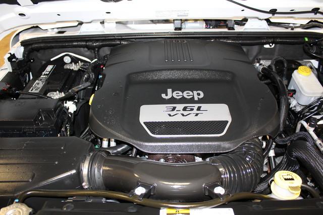 2013 Jeep Wrangler Unlimited Rubicon 10th Anniversary Roscoe, Illinois 43