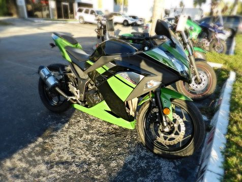 2013 Kawasaki Ninja 300 w/ Two Bros. Exahust in Hollywood, Florida