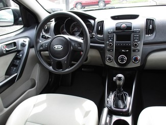 2013 Kia Forte EX Milwaukee, Wisconsin 12