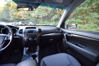 2013 Kia Sorento LX Naugatuck, Connecticut 18