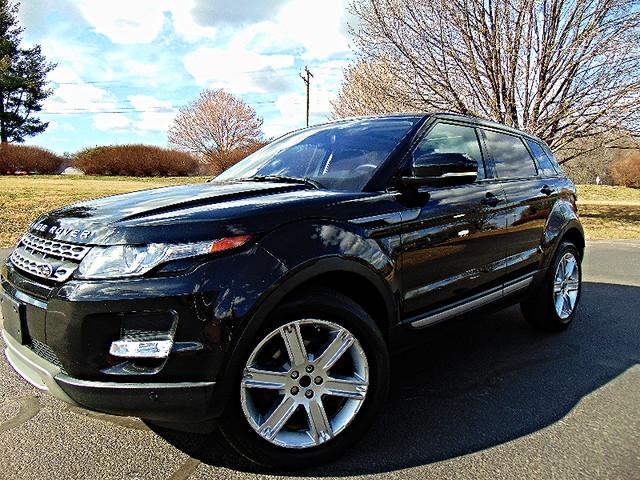 2013 Land Rover Range Rover Evoque Pure Plus Leesburg, Virginia 0