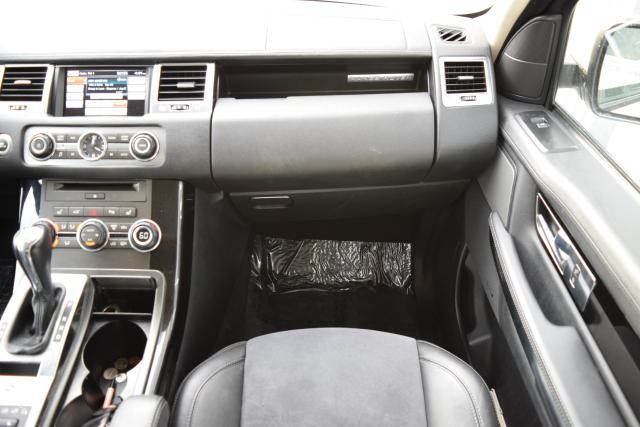 2013 Land Rover Range Rover Sport HSE Richmond Hill, New York 25