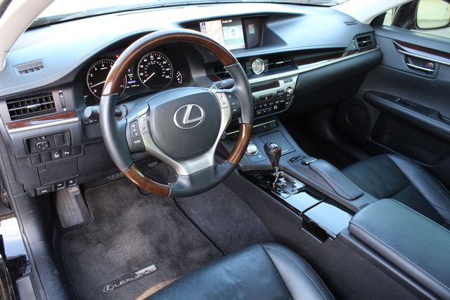 2013 Lexus ES 350 4DR SEDAN NAVIGATION ALLOY WHLS HEATED SEATS Woodland Hills, CA 11