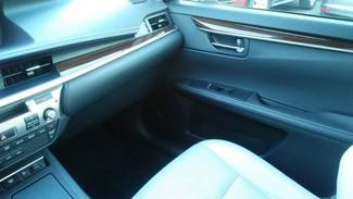 2013 Lexus ES 350 4dr Sdn East Haven, CT 33