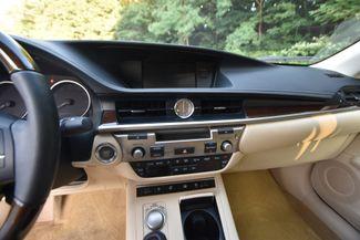 2013 Lexus ES 350 4dr Sdn Naugatuck, Connecticut 22
