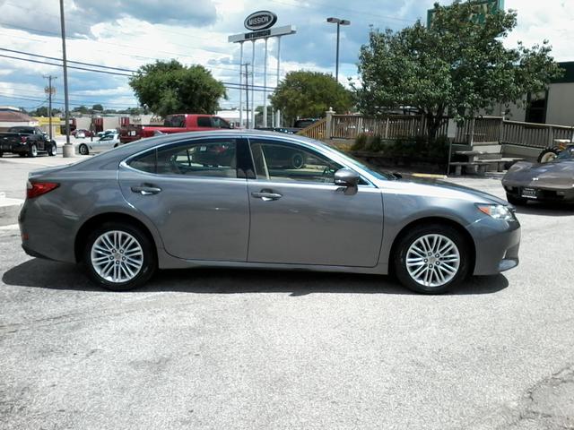 2013 Lexus ES 350 4dr Sdn San Antonio, Texas 1