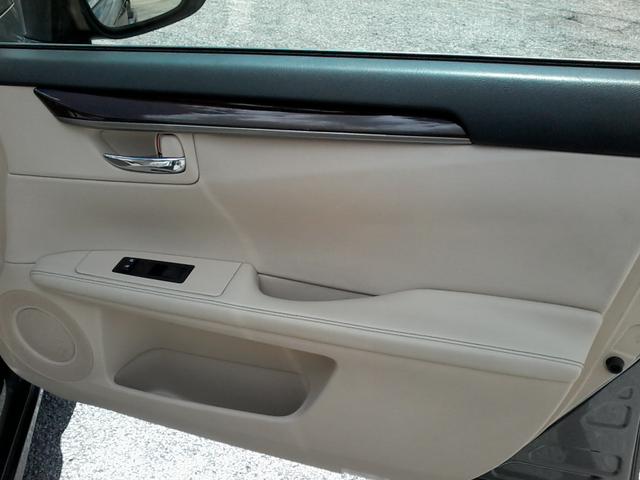 2013 Lexus ES 350 4dr Sdn San Antonio, Texas 14