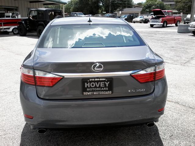 2013 Lexus ES 350 4dr Sdn San Antonio, Texas 3