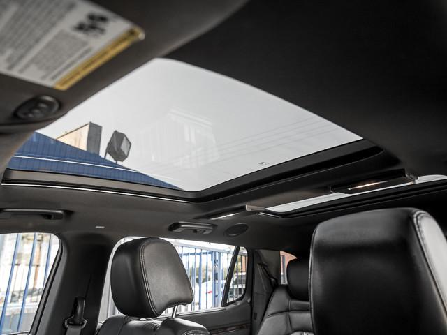 2013 Lincoln MKT Burbank, CA 28