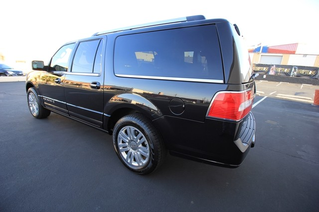 2013 Lincoln Navigator L MDL* NAVI* BACK UP* HEATED* DVD*  LOW MI* THX* PWR GATE* LEATHER* 3RD ROW* LOADED Las Vegas, Nevada 13