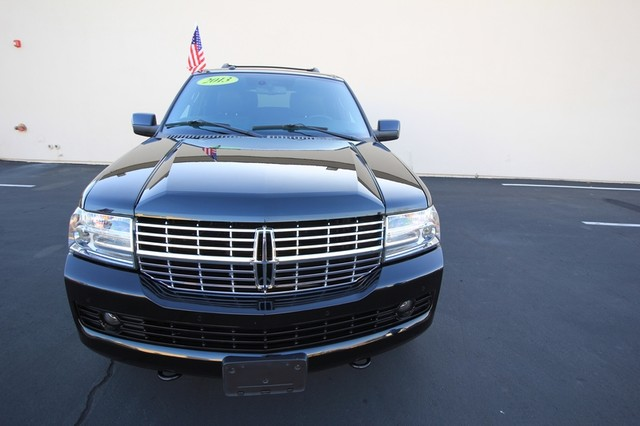 2013 Lincoln Navigator L MDL* NAVI* BACK UP* HEATED* DVD*  LOW MI* THX* PWR GATE* LEATHER* 3RD ROW* LOADED Las Vegas, Nevada 4