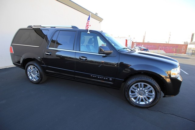 2013 Lincoln Navigator L MDL* NAVI* BACK UP* HEATED* DVD*  LOW MI* THX* PWR GATE* LEATHER* 3RD ROW* LOADED Las Vegas, Nevada 7