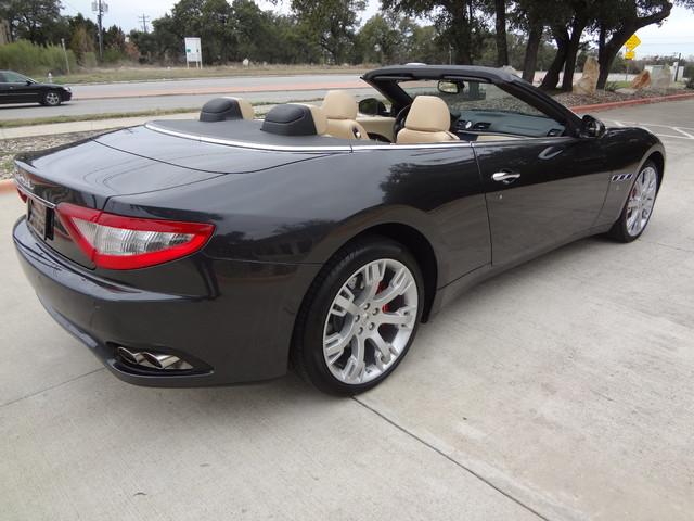 2013 Maserati GranTurismo Convertible Austin , Texas 3