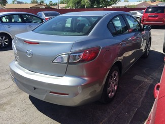 2013 Mazda Mazda3 i SV AUTOWORLD (702) 452-8488 Las Vegas, Nevada 1
