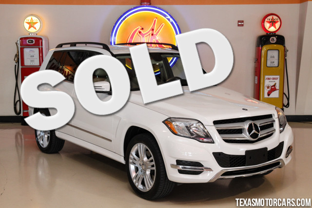 2013 Mercedes GLK350 This Carfax 1-Owner 2013 Mercedes-Benz GLK350 is in great shape with only 26