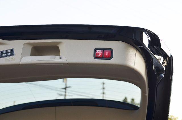 2013 Mercedes-Benz ML 350  AUTO - 33K MILES - NAVI - HTD STS - SUNROOF Reseda, CA 19