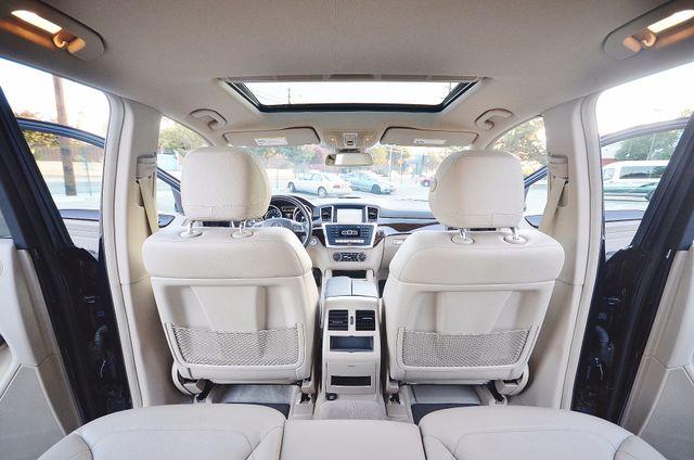 2013 Mercedes-Benz ML 350  AUTO - 33K MILES - NAVI - HTD STS - SUNROOF Reseda, CA 1