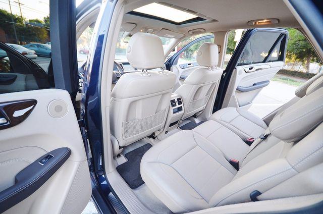 2013 Mercedes-Benz ML 350  AUTO - 33K MILES - NAVI - HTD STS - SUNROOF Reseda, CA 20