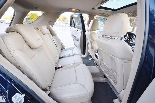2013 Mercedes-Benz ML 350  AUTO - 33K MILES - NAVI - HTD STS - SUNROOF Reseda, CA 23
