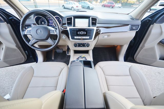 2013 Mercedes-Benz ML 350  AUTO - 33K MILES - NAVI - HTD STS - SUNROOF Reseda, CA 25