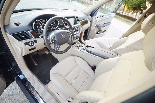 2013 Mercedes-Benz ML 350  AUTO - 33K MILES - NAVI - HTD STS - SUNROOF Reseda, CA 34