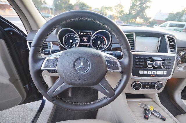 2013 Mercedes-Benz ML 350  AUTO - 33K MILES - NAVI - HTD STS - SUNROOF Reseda, CA 37