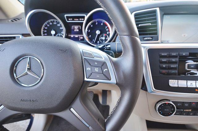 2013 Mercedes-Benz ML 350  AUTO - 33K MILES - NAVI - HTD STS - SUNROOF Reseda, CA 6
