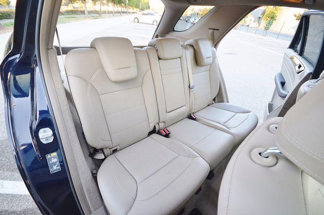 2013 Mercedes-Benz ML 350  AUTO - 33K MILES - NAVI - HTD STS - SUNROOF Reseda, CA 45