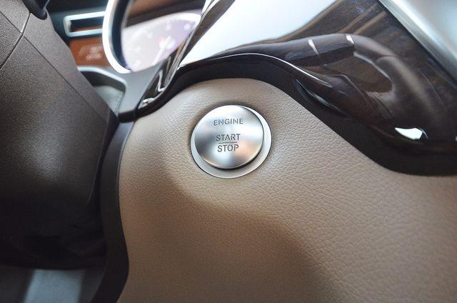 2013 Mercedes-Benz ML 350  AUTO - 33K MILES - NAVI - HTD STS - SUNROOF Reseda, CA 4