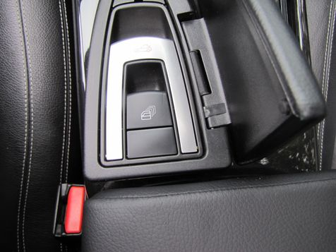 2013 Mercedes-Benz SLK 250  | Louisville, Kentucky | iDrive Financial in Louisville, Kentucky