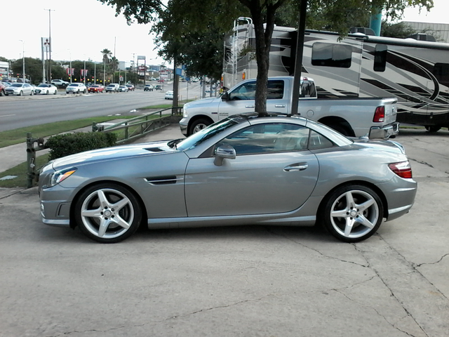 2013 Mercedes-Benz SLK 350 San Antonio, Texas 9