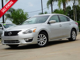 2013 Nissan Altima 2.5 S in Houston TX