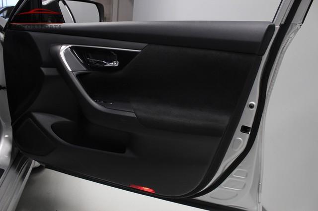 2013 Nissan Altima 2.5 SV Merrillville, Indiana 23