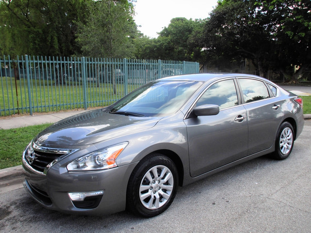 2013 Nissan Altima 25 S Come and visit us at oceanautosalescom for our expanded inventoryThis o